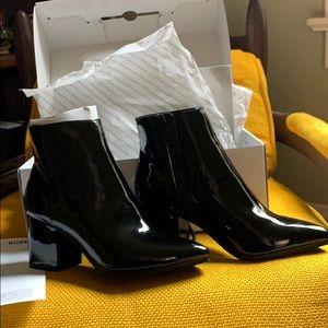 Aldo Fralissi-95 Black patent ankle bootie
